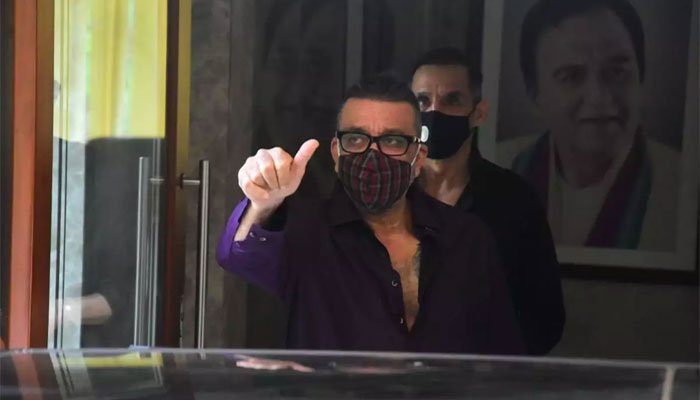 Sanjay Dutt goes for treatment, KGF2 to be delayed