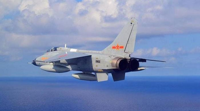 Chinese jets briefly cross mid-line of Taiwan Strait