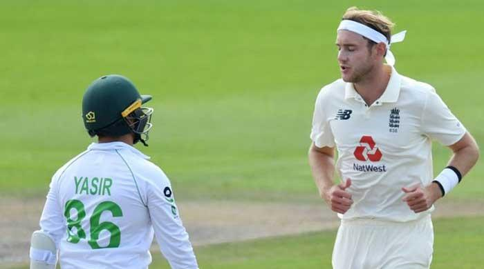 Stuart Broad fined by father for Yasir Shah send-off
