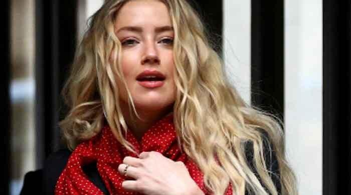 Amber Heard shares a stunning fresh-faced selfie