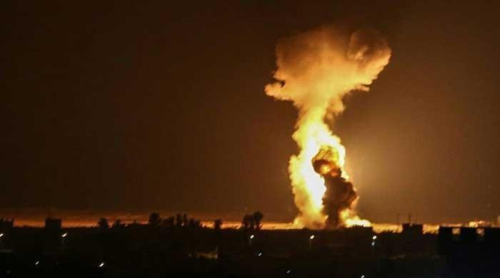 Gaza strip: Israel launches overnight air strikes at Hamas targets
