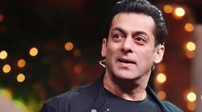 Salman Khan's first adorable photo from the sets of 'Bigg Boss 14' surfaces