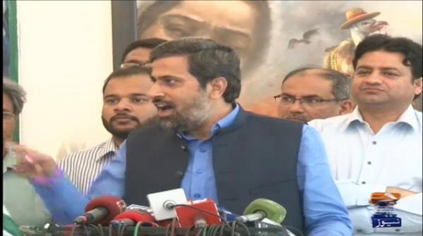 وزیراطلاعات پنجاب فیاض چوہان نے کہا ہےکہ  افواج پاکستان کے ساتھ 22 کروڑ پاکستانیوں کا دل دھڑکتا ہے