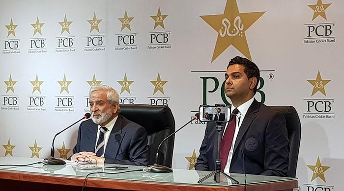 PCB to meet Misbah-ul-Haq, Azhar Ali over complaints to PM Imran Khan: report