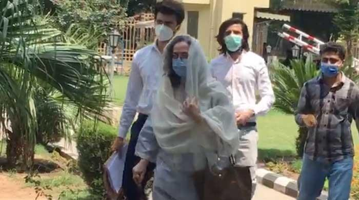 Sarina Isa to challenge 'illegal' FBR order to pay Rs3.5 million in due taxes