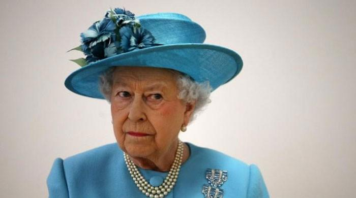 The Queen to pay UK government in installments as COVID-19 imposes financial pitfall