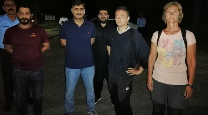 Two foreign diplomats who lost their way during hiking in Islamabad's Margalla Hills rescued