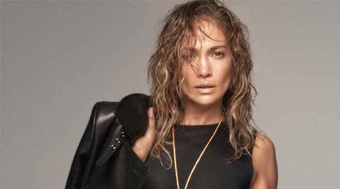 Jennifer Lopez sends millions into frenzy with latest photo