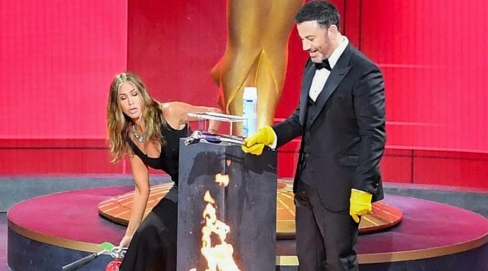 Jennifer Aniston's savage message ahead of US election: 'Put out the dumpster fire that is 2020'