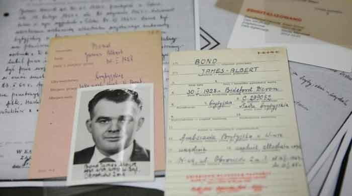 'British agent James Bond was on Queen Elizabeth's secret service in Poland'
