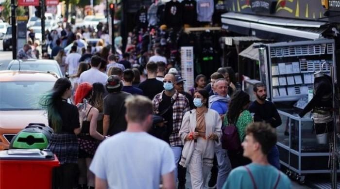 UK may be tackling coronavirus too slowly, fear govt advisers