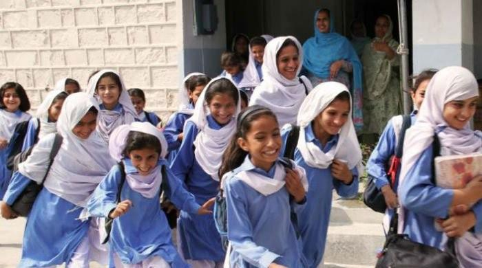 Sindh's private schools to allow parents to pay fees in instalments