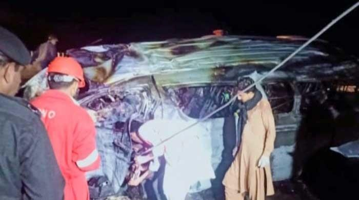 15 killed as van overturns, catches fire on Super Highway near Karachi