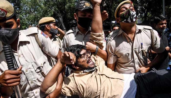Uttar Pradesh: Teenage Dalit girl, gang-raped in Hathras, dies at AIIMS