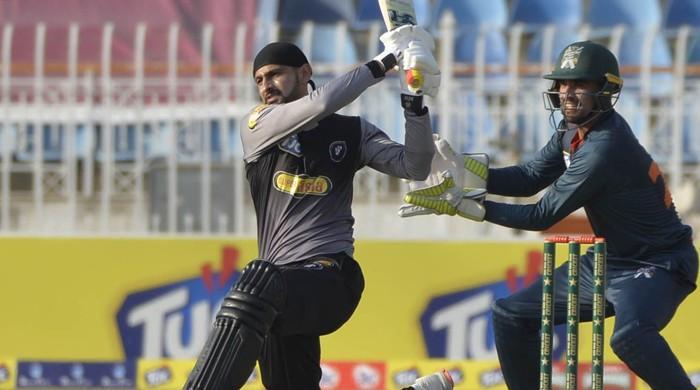 Shoaib Malik becomes first Asian cricketer to score 10,000 T20 runs