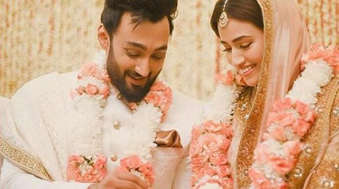 Sana Javed shares new adorable wedding pics with husband Umair Jaswal