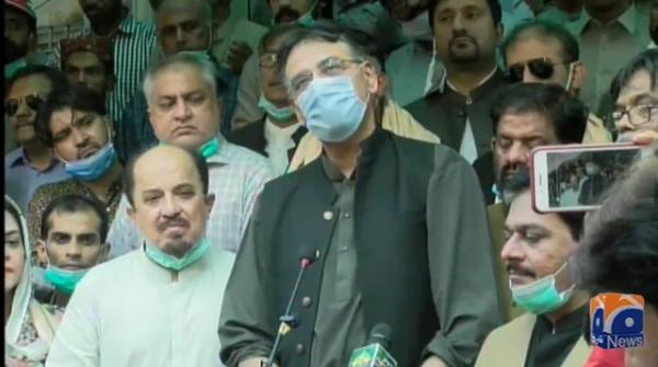 Manner in which Captain Safdar was arrested was not necessary: Asad Umar