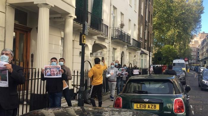 PTI and PML-N workers confront each other again in London