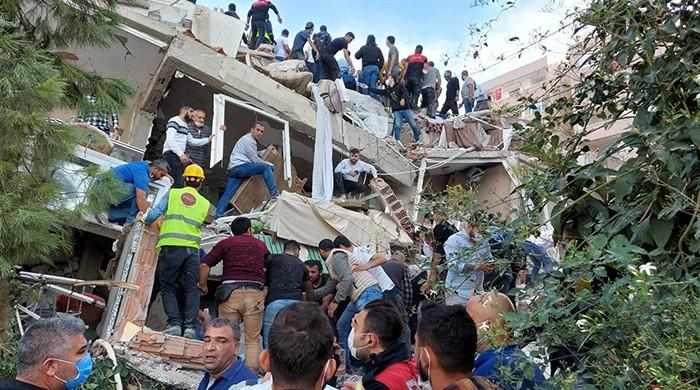 7.0-magnitude earthquake in Turkey and Greece kills 14, leaves scores injured