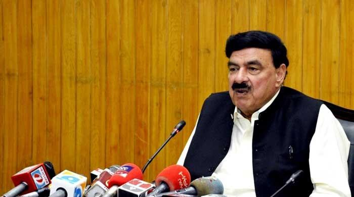 Consequences of fighting against state could be dangerous, warns Sheikh Rasheed