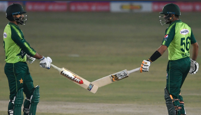 Babar leads Pakistan to easy win over Zimbabwe in first T20