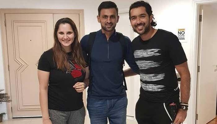 Sania Mirza donates her tennis racquet to Aisam-ul-Haq's charity foundation
