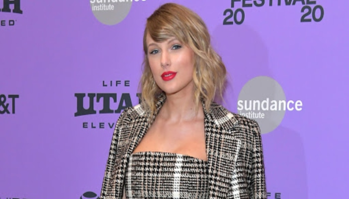 Taylor Swift re-recording her music amid feud with Scooter Braun