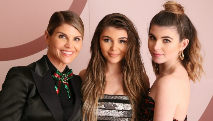 Lori Loughlin makes several friends in prison, dedicates time to praying alot