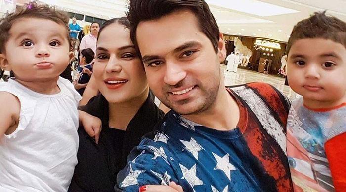 Veena Malik sends Rs500 million legal notice to ex-husband Asad Khattak
