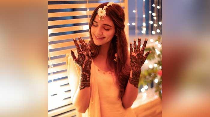 Rabab Hashim looks stunning in her mayoun event