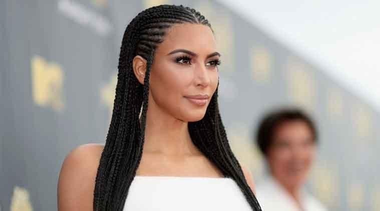 Kim Kardashian flaunts her killer looks in new photos - Geo News
