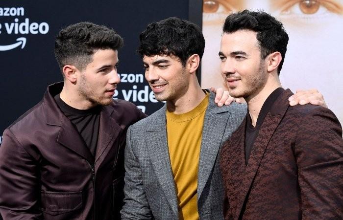 Woman accuses Jonas Brothers of bullying her - Geo News