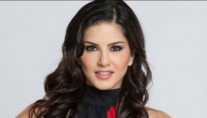 Sunny Leone stuns fans in semi-sheer black gown - Geo News