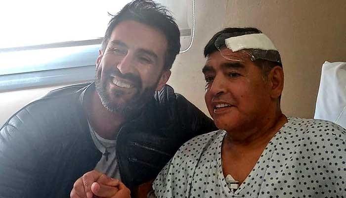 Maradonas personal doctor under scrutiny over death of soccer star - Geo News
