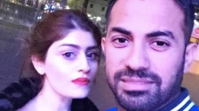 Wahab Riaz shares adorable selfie with wife on wedding anniversary