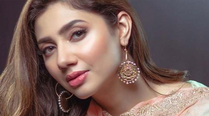 Mahira Khan shares inspiring message to fans