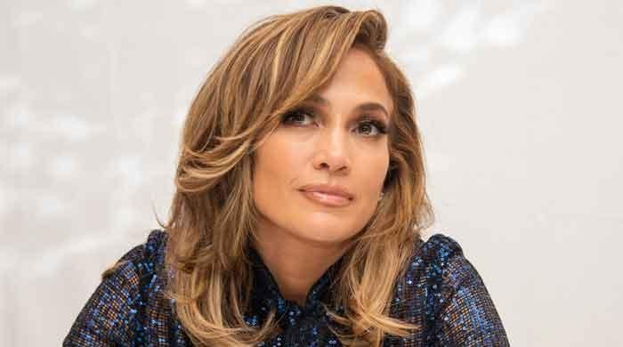 Jennifer Lopez wants people to praise women for their beauty without mentioning age