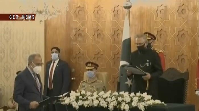 Abdul Hafeez Shaikh takes oath as federal minister