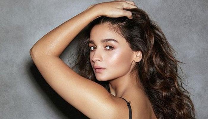 Alia Bhatt goes back in black