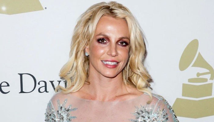 Britney Spears Gets a Major Haircut and Declares