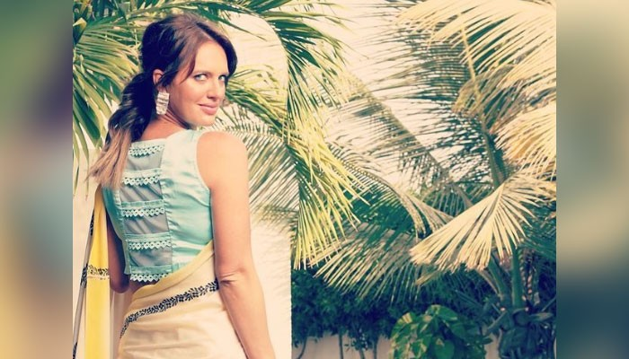 Shaniera Akram drops jaws as she stuns in a saree