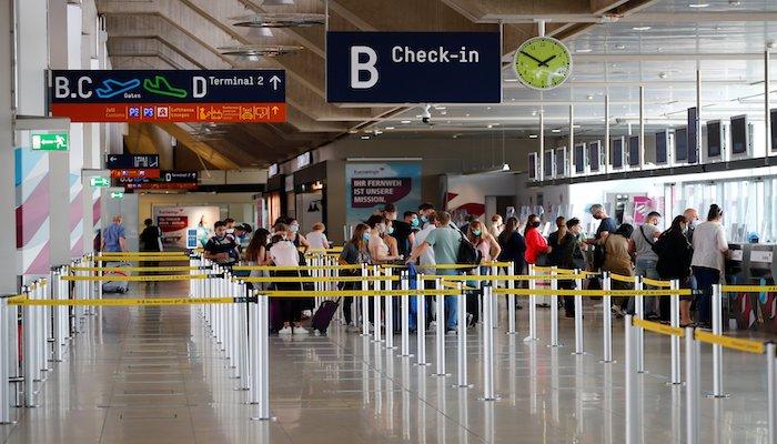 Netherlands bans United Kingdom flights, fearing new coronavirus variant