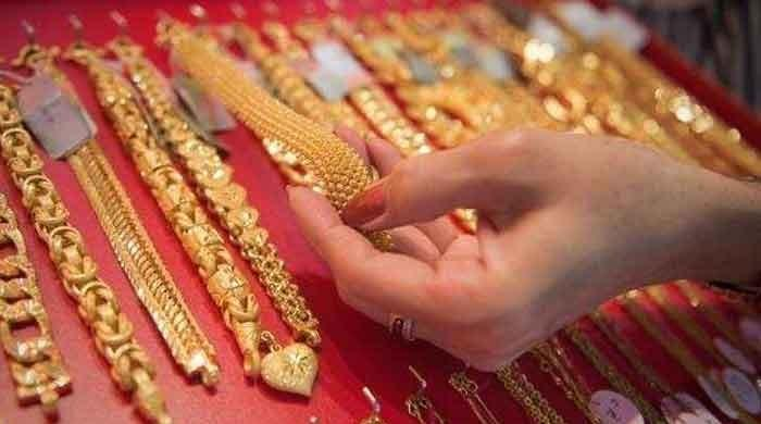Gold sold at Rs113,400 per tola on January 13
