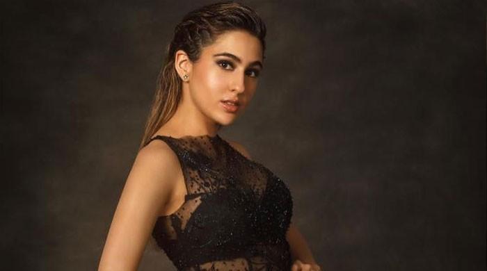 Sara Ali Khan puts natural beauty on display, wins fans' hearts