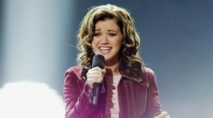 Kelly Clarkson claims celebrities were rude to her after she won 'American Idol'