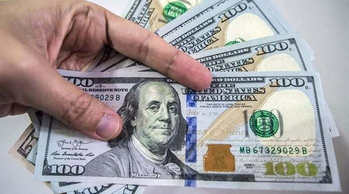 US dollar being sold at Rs160.7 on Jan 16