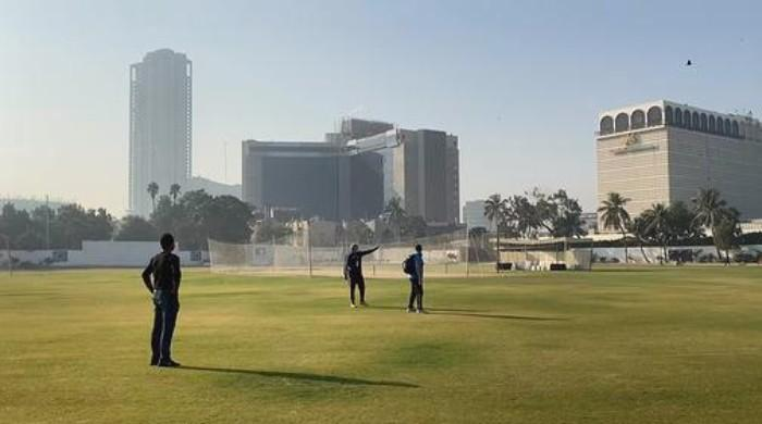 Pak vs SA: Visiting team kicks off practice sessions in Karachi