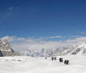 Pakistan Army recovers body of American mountaineer from near K2