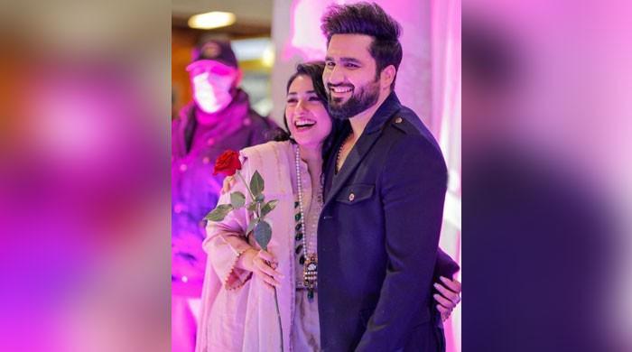 Fans swoon over Sarah Khan, Falak Shabir's PDA-filled photos