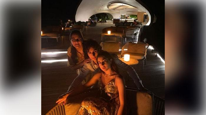 Sara Ali Khan enjoys getaway to Maldives with mum, brother Ibrahim Ali Khan